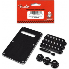 FENDER ACCESSORY KIT STRATO BLACK