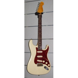 FENDER STRATOCASTER '62 RELIC MCB 50TH VINTAGE BLONDE TEAM B