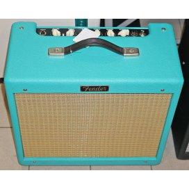 FENDER BLUES JR IV LTD WIZARD RED COAT